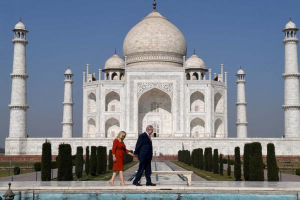 В Индии Нетаниягу приготовили императорскую встречу
